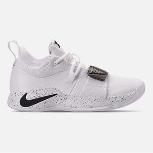 Laura Begum on in 2019 | Sneakers nike, Nike shoes cheap